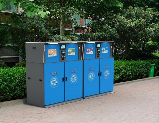 困扰上海人的垃圾分类,两个月后,智能垃圾回收箱已经成垃圾?